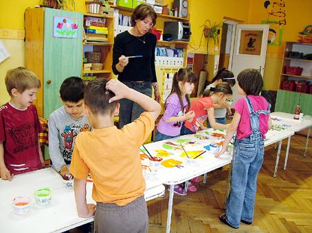 A fiúk szívesen festettek állatokat, cápát vagy csigát.