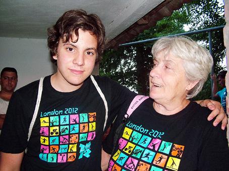 A nagyi és unokája már törzsvendégek a fesztiválon.
