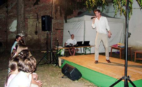 H. Varga Tamás is azonnal meghódította a közönséget.