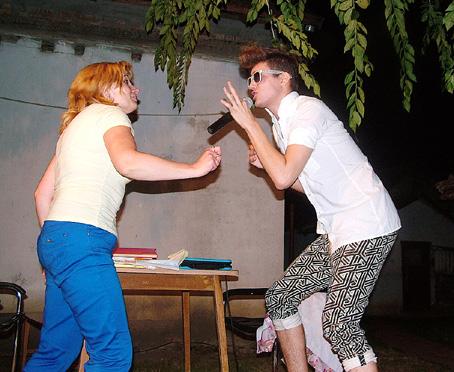 Tamás alkalmi táncpartnere, őrületes ez a jampi.
