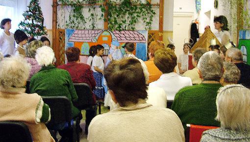A Farkas Antal utcai óvodások Betlehemes játékkal kedveskedtek a közönségnek.