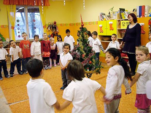 Hibátlanul megtanulták és élvezettel adták elő a verseket, dalokat.