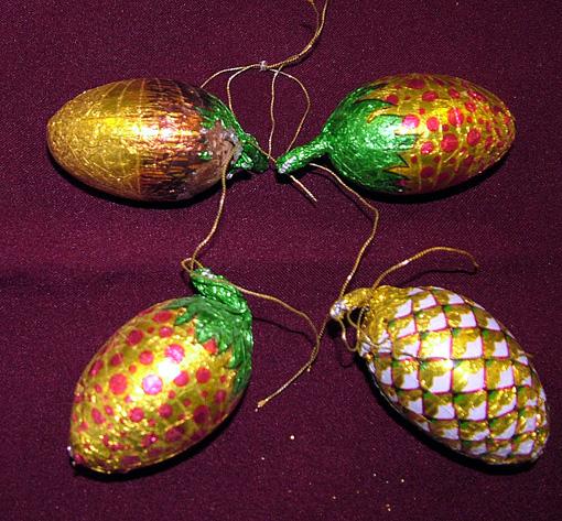 A csoki díszek évtizedek óta Tarczaliné Piroska fenyőfáit ékesítik.
