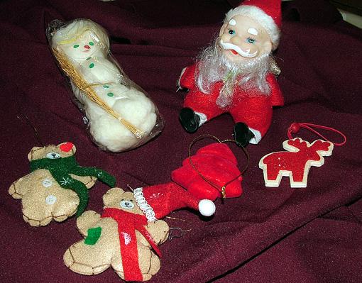 A kedves játékokat Gágyorné Marika gyermekei kapták és készítették.