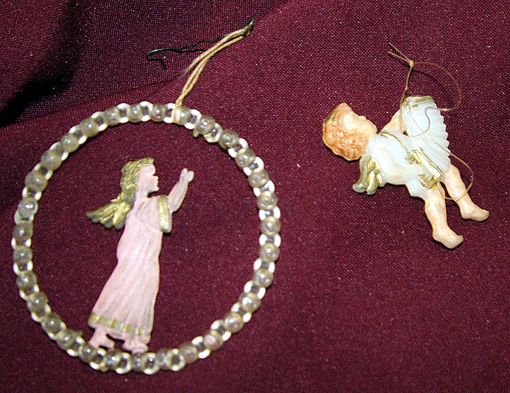 Gutné Judit angyalkái az ötvenes évek végéről és a hatvanas évek elejéről származnak. Az egyiket ő, a másikat a testvére kapta.