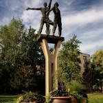 Kubikos szobor (Apponyi tér).