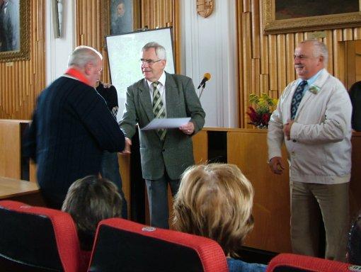 A zsűri tagjai is oklevelet kaptak.